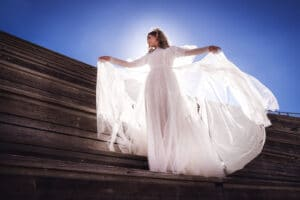 צילום שמלת כלה מתעופפת